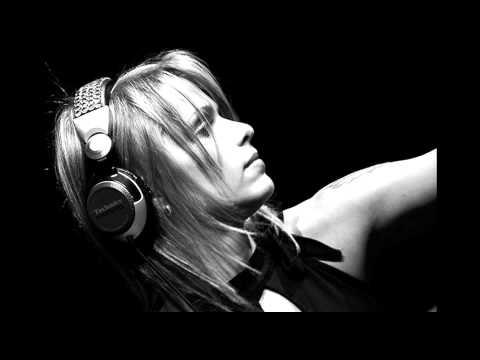 Niki Belucci - Club FG (18-11-2010)