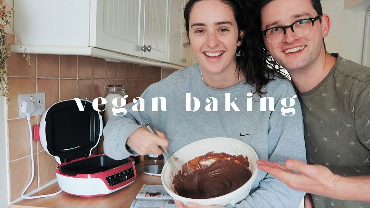 BAKE A VEGAN CHOCOLATE CAKE WITH US + WHERE I'VE BEEN