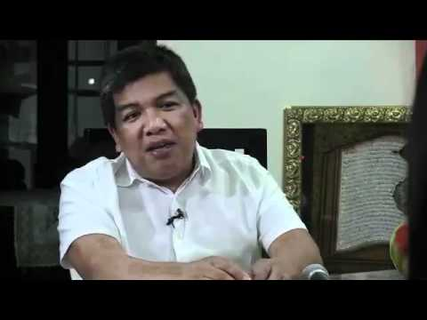 Who is new ARMM OIC Gov. Mujiv Hataman?