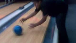 Bowling...Apun log ka style!