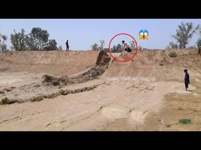 Very Dangerous Flash Flood | Natural Disaster | Punjab Village, Pakistan