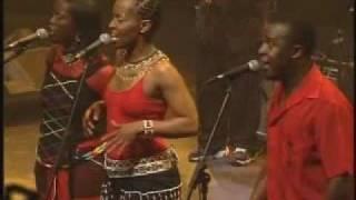 Busi Mhlongo:  Unomeva (Live in concert)
