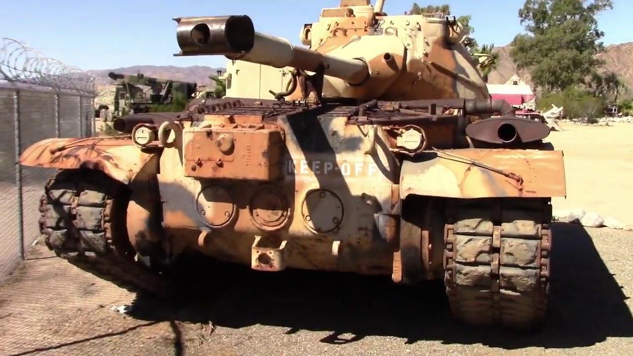 Download muzej starih tenkova u pustinji