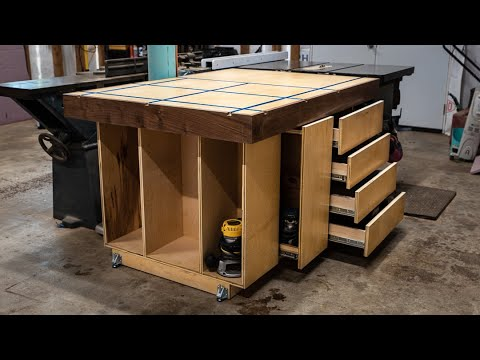 Build an Assembly Table / Outfeed Table