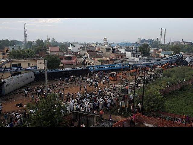 <h2><a href='https://webtv.eklogika.gr/nea-polynekri-sidirodromiki-tragodia-stin-india' target='_blank' title='Νέα πολύνεκρη σιδηροδρομική τραγωδία στην Ινδία'>Νέα πολύνεκρη σιδηροδρομική τραγωδία στην Ινδία</a></h2>