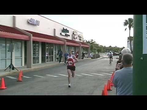 Hooters Half Marathon Doovi