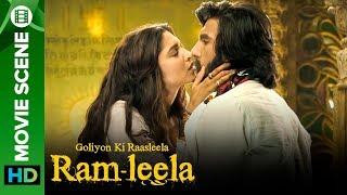 Sexy kiss between Deepika Padukone & Ranveer Singh