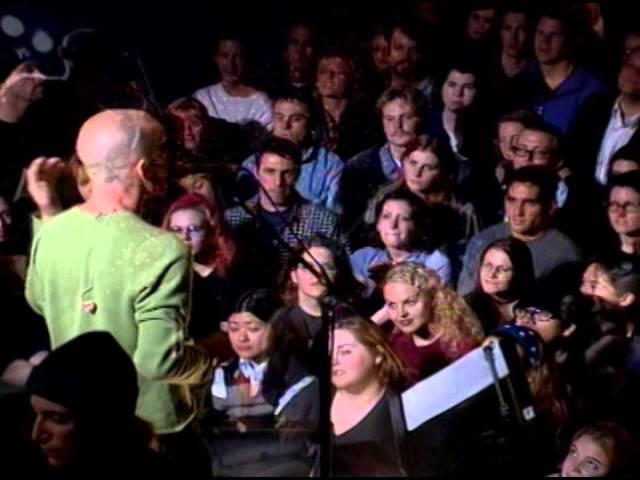 "R.E.M. - ""E-Bow The Letter"" (LIVE @ Uplink)"