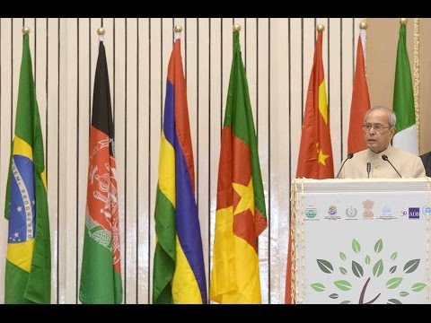 Slideshow Hon'ble RastrapathyJi 'World Conference on Environment'-NEWS LIVE DIDITALS-thanking
