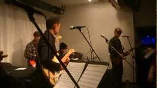 私(津山)はヘルプ出演です 今回は練習無しで譜面は初見のライブでした...