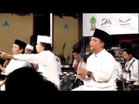 Hasbunallahu wa ni`mal Wakil - Cak Nun & Kiai Kanjeng