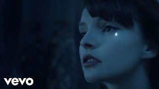Repeat youtube video CHVRCHES - Clearest Blue