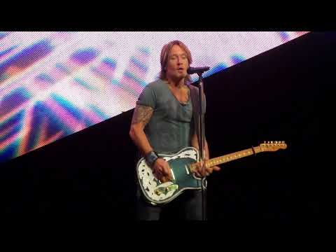 Keith Urban ~ Never Comin' Down ~ Hollywood Casino Amphitheater ~ Tinley Park, IL ~ 08/18/2018