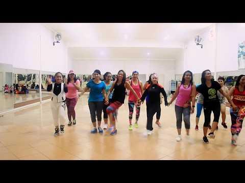 "Dance ""Goyang Tobelo Choreo By Chenci At WKM Studio Sangatta"