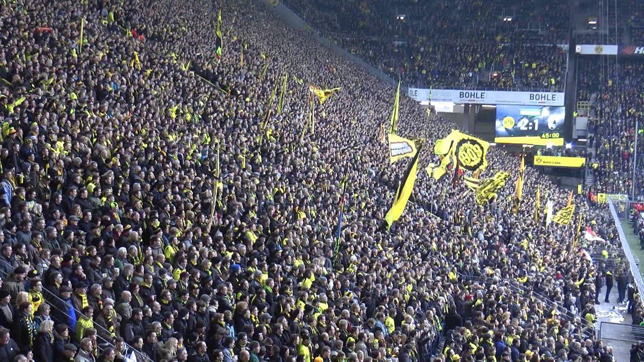 Borussia Dortmund - Freiburg 5-1 Drei Tore in 5 Minuten - Stimmung BVB Südtribüne Athmosphere