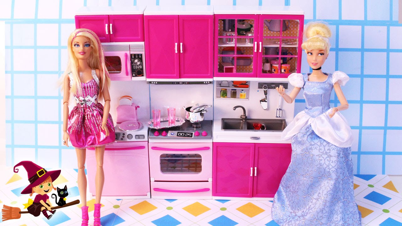 Cocinita de Juguetes Barbie Invita a su Amiga Cenicienta - YouTube