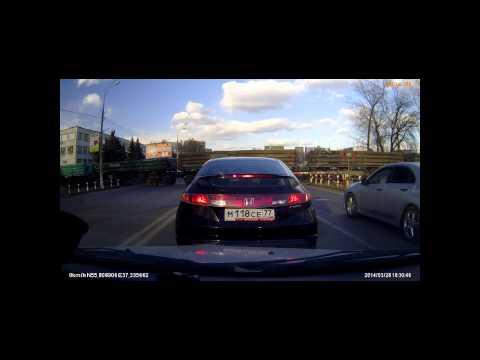 Сколько нарушений правил проезда ЖД переезда на этом видео?