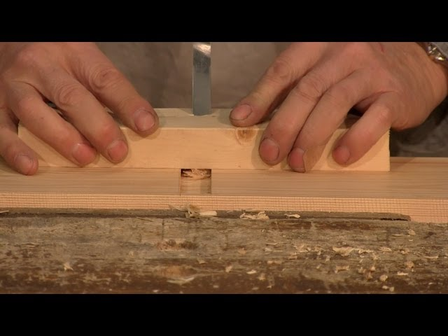 Use A Chisel To Make A Handheld Woodworking Router