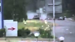 Жесть! Расстрел автомобиля на блок-посту. Последние секунды жизни Украина!