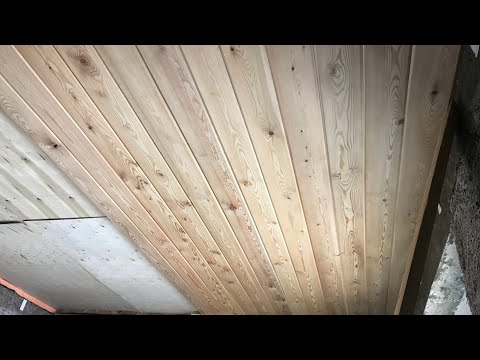 Потолок супер. Из имитации бруса своими руками в доме из арболита с крупной щепой.