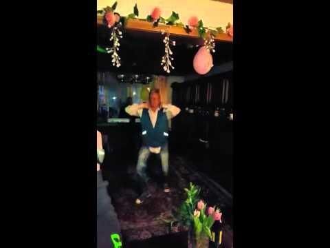Berühmt Geburtstagsfeier mal anders - YouTube &HI_13