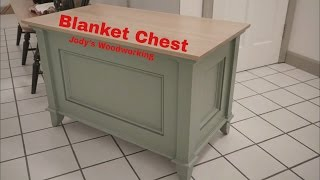 This is a blanket chest that Jon Peters built on his channel and looked really nice so I wanted to give it a try and change the styling