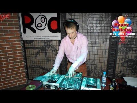 Dj Ezzen Spiell (LIVE. Red One Radio 5 лет в Эфире)