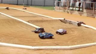 Slash 2wd Race  (9-11-2010).AVI