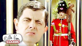 Mr Bean နှင့်တော်ဝင်အစောင့်   Mr Bean သည်ရယ်စရာကောင်းသော ဂန္ထဝင် Mr Bean