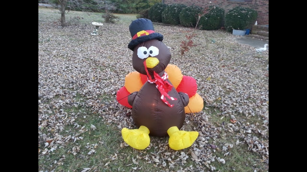 Setting Up an Inflatable Turkey - YouTube