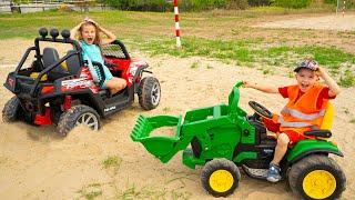 Артур и Мелисса - забавные приключения в песке с машинкой и трактором