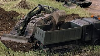 RC SCALE MODEL MILITARY CONSTRUCTION MACHINERY AT WORK / Faszination Modellbau Friedrichshafen 2015