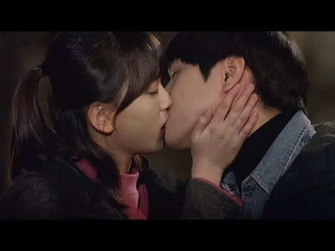 Reply1988 Go Kyung-pyo♥Ryu Hye-youn's first kiss! They're double thrilled! 151211 EP11