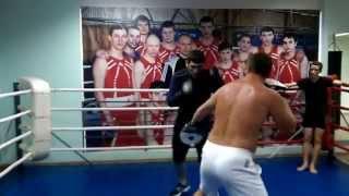 Городец тренировка по боксу.. Мурад Халидов професиональный боксер России!!!