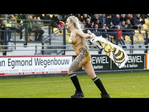 Fans Hire A Nude Stripper To Distract Opponents | Dutch Fans Come Up A New Cunning PlanKaynak: YouTube · Süre: 30 saniye