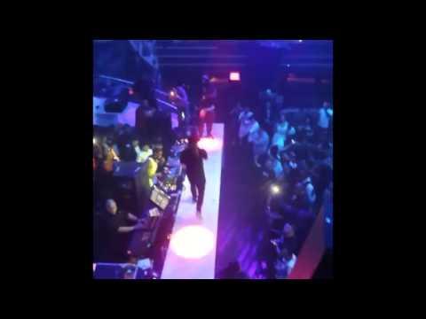 """Lil Wayne Performs """"Bill Gates"""", """"Finessin'"""" & """"Lil' Bitch"""" Live At LIV Nightclub"""