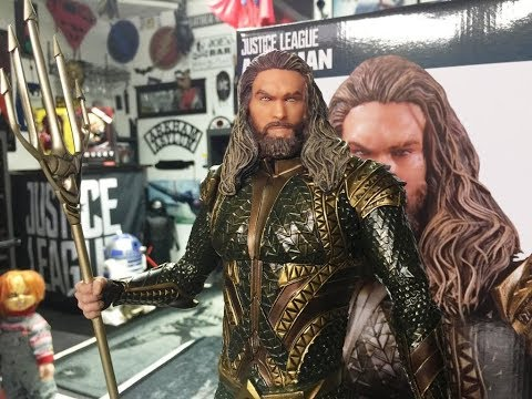2017 JUSTICE LEAGUE AQUAMAN STATUE