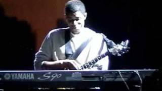 Stanley Jordan Trio clip 2:  All Blues (part 1-2)