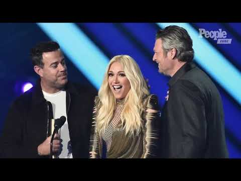 Blake Shelton Pulls Gwen Stefani Onstage After Winning At The People's Choice Awards
