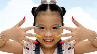 Lọ Nhũ Màu - Chị Vẽ Móng Tay Cho Em ❤Susi kids TV❤