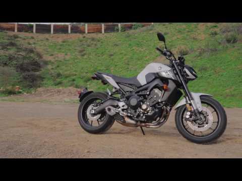 2017 Yamaha FZ-09 Review | 4K