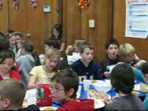 Thanksgiving feast at Dennett Elementary School