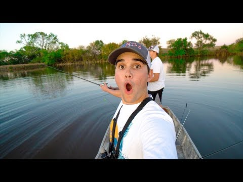 I HOOKED MYSELF!!! - Pond Hopping for Fall Bass FAIL!!!