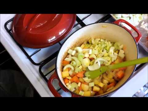 How to make a delicious chicken and vegetable casserole