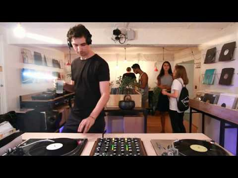 yoyaku instore session : Cristi Cons