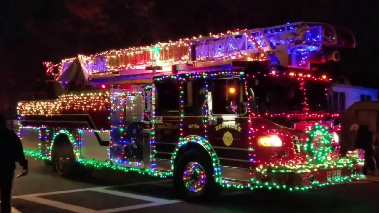 Fire Truck With Christmas Lights 2020 2017 Wallington NJ Annual Christmas Fire Truck Parade   YouTube