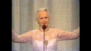 Jessica Tandy wins 1983 Tony Award for Best Actress in a Play