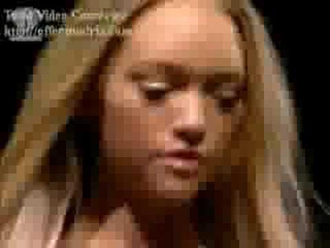 Gemma Ward Mixing Video
