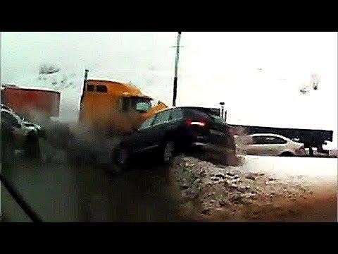 Dashcam Russia - Crazy Drivers And Car Crashes 2019