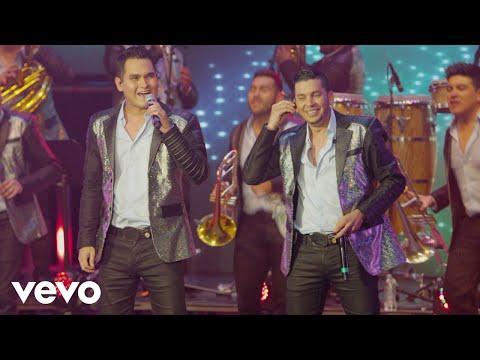 Banda Los Recoditos - Qué A Toda Madre (Qué A Todo Dar) (En Vivo)
